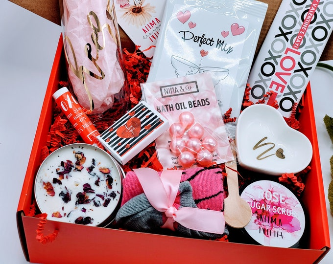 Valentine Day Gift Box for Women, Valentines Day Gift Set for Her, Personalized Tumbler, Birthday Box for Her - VDGB012