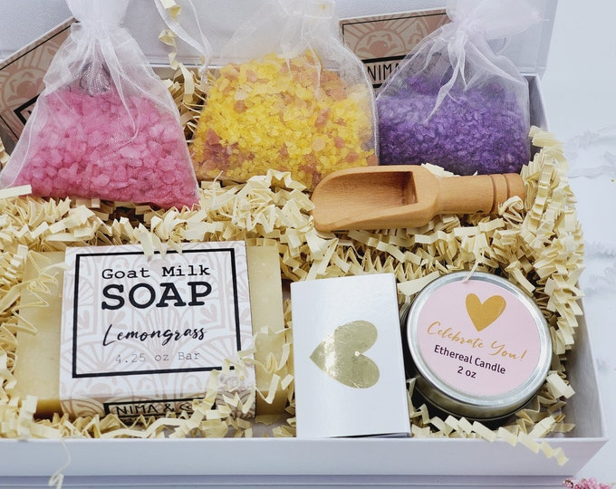 Mothers Day Gift Box, Gift Box for Women, Mother To Be Gift, Gift Set for Mom, Spa Gift Set, New Mom Gift Basket, Pregnancy Gift-MTBGB04