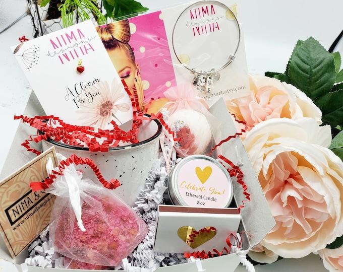 Personalized Mothers Day Gift Box, Gift box for Mom, Mom Gift Basket, Best Friend Mug, Mom Christmas Gift- MDGMUG001
