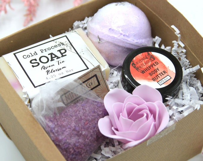 Self Care Gift Box for Her, Self Care Kit Gift for Mom, Gift Basket for Women, Relaxation Spa Gift Set, Gift Box for Women Birthday- SGB012