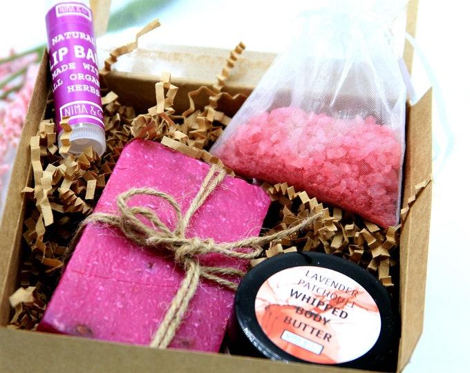 Christmas Gift Box Mini - Holiday Gifts Set - Stocking Stuffer - Inexpensive Christmas Gift - Friend Christmas Gift - NIMA Gifts Co- SGB010