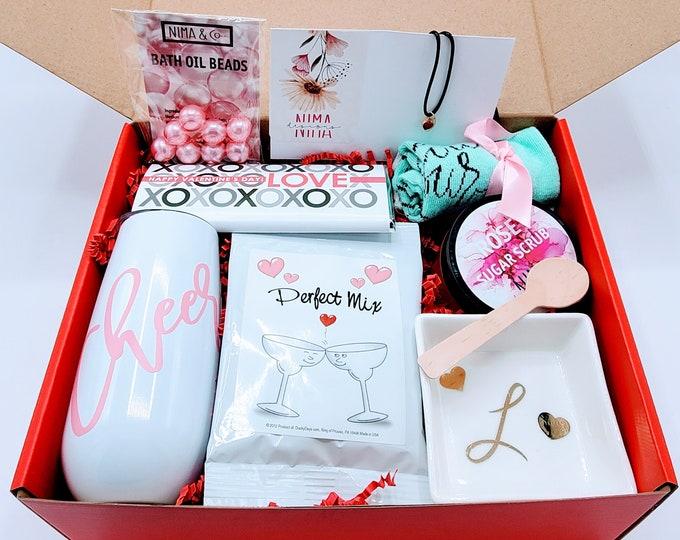 Birthday Gift Box for Women, Birthday Gift, Friend Gift, Gift Set, Gift Basket, Birthday Gift Box For Her, Friend Birthday Gift - VDGB011