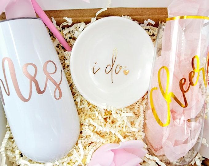 Bridal Shower Gift Box, Engagement Gift, Engagement Gift Box, Bride-to-be Gift Box, Bridal Shower Gift, Bride Box, Bride - BGBU30-01