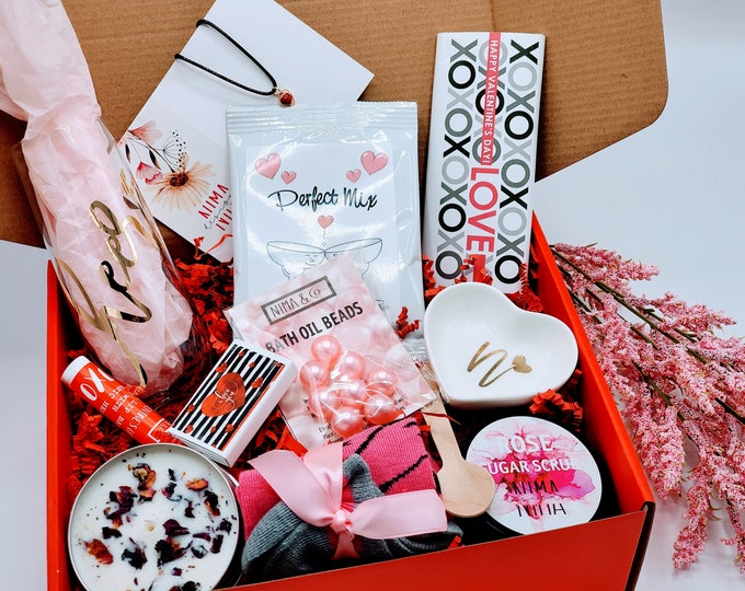 Birthday Gift Box for Women, Birthday Gift, Friend Gift, Gift Set, Birthday Gift Box For Her, Friend Birthday Gift- VDGB012