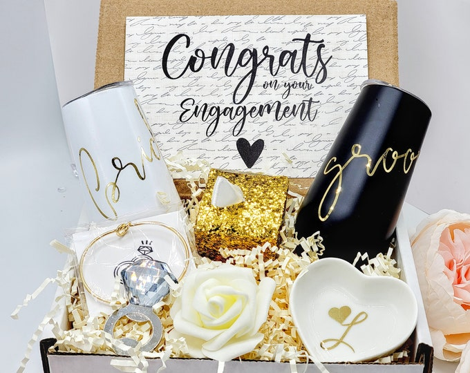 Bride and Groom Engagement Gift Box, Couples Engagement Gift for Bride and Groom Gift, Engagement Party Gifts for Couple Gift Ideas-EGFC005