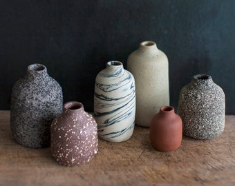VIIE VASES – set of six little vases, handthrown out of different kinds of clay