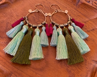 Colibrí Bali tassel Hammered Hoop Brass earrings with African Brass beads