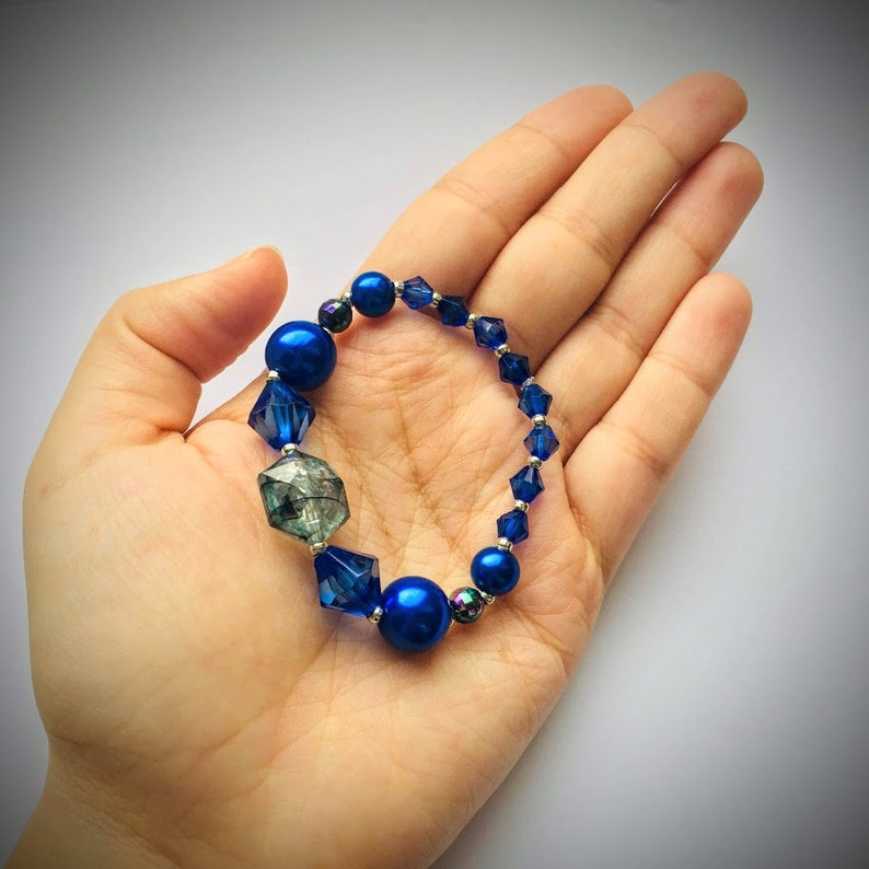 Intense blue beads bracelet bangle