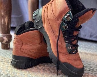 f5debaf3f Vintage Nike Air Suede Ankle Hiking Boot