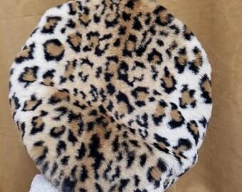 Fluffy Leopard Print Beret