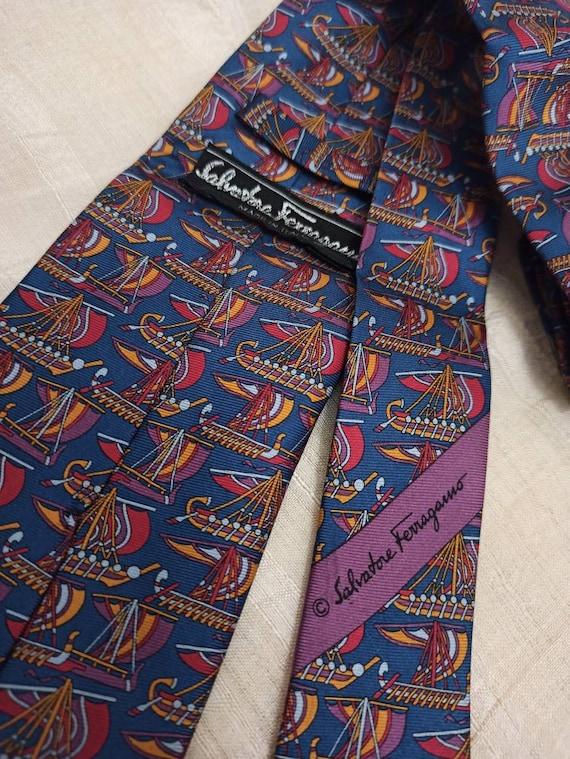 FERREGAMO Salvatore Men's Silk Tie!! ~ Made in Ita