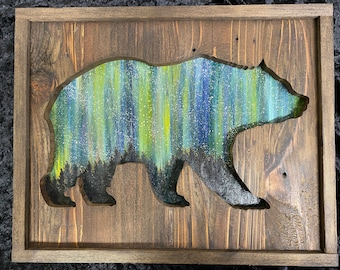 Bear - Rustic Wooden Wall Art - Northern Lights Painting - Wood Sign - Rustic Décor - Gift Idea