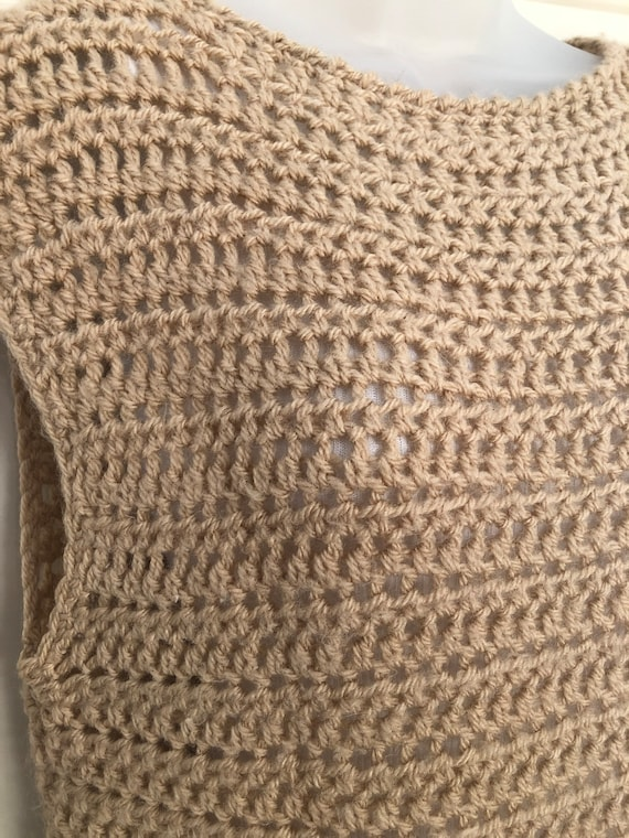 70s 80s tan crochet sweater vest, boat neck sweat… - image 3