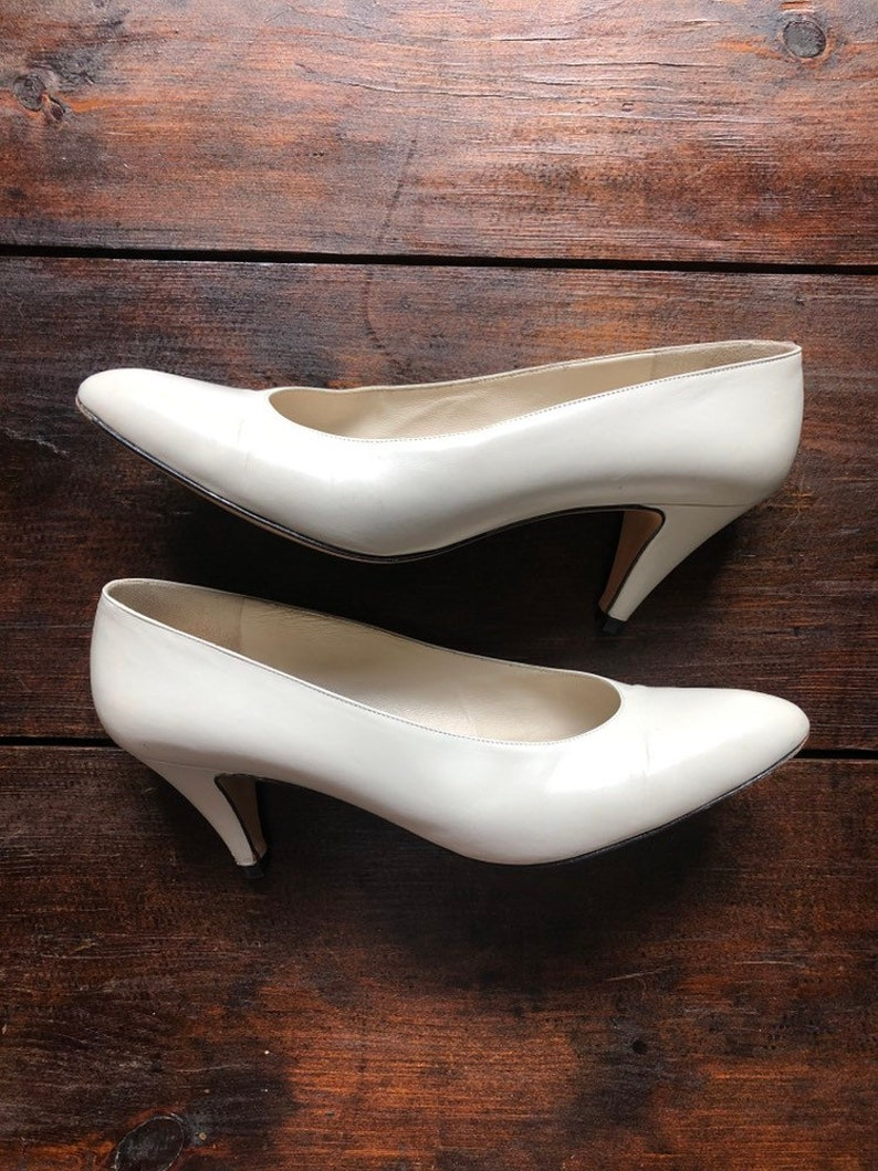 00c5d4358622d Vintage Evins pumps, bone colored shoes, size 8 AAAA, ITALY, high heeled  shoes, classy, wedding day, dressy shoes, formal shoes, David Evins