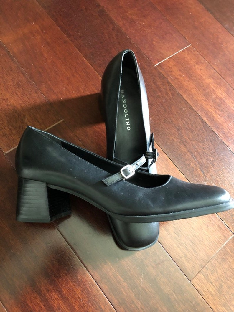 dcf453f88e566 Vintage Bandolino black Mary Jane shoes, Casanova Mary Janes, leather  squared toe, 90s block heel, classic pumps, career or casual, size 8.5