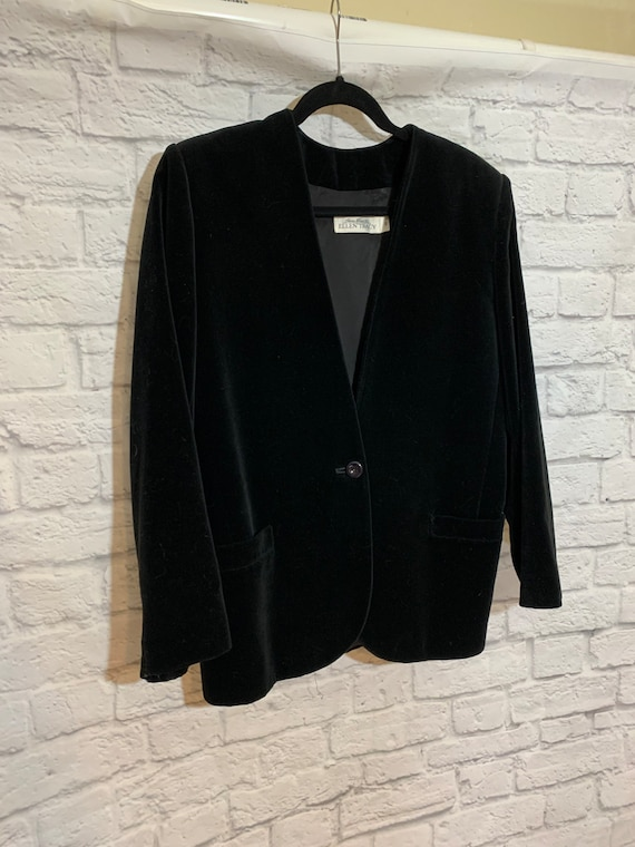 Ellen Tracy Timeless Velvet Black Jacket