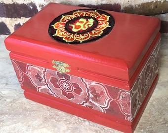 Om keepsake jewelry trinket upcycled cigar box