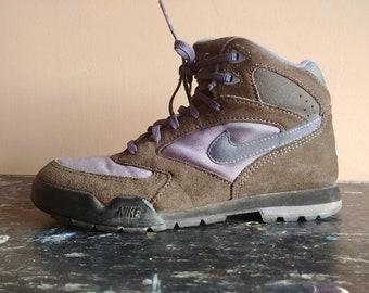 huge selection of 1363f f7a36 Hommes Marron Randonnée Caldera 8 Taille T3 1994 5 6 Bottes Chaussures  Vintage Daim Plein Violet 5 Air Femmes 930406 Nike ...
