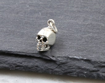US Seller 4 or 20 BULK pcs Tiny Silver Halloween Skull Charms AS524