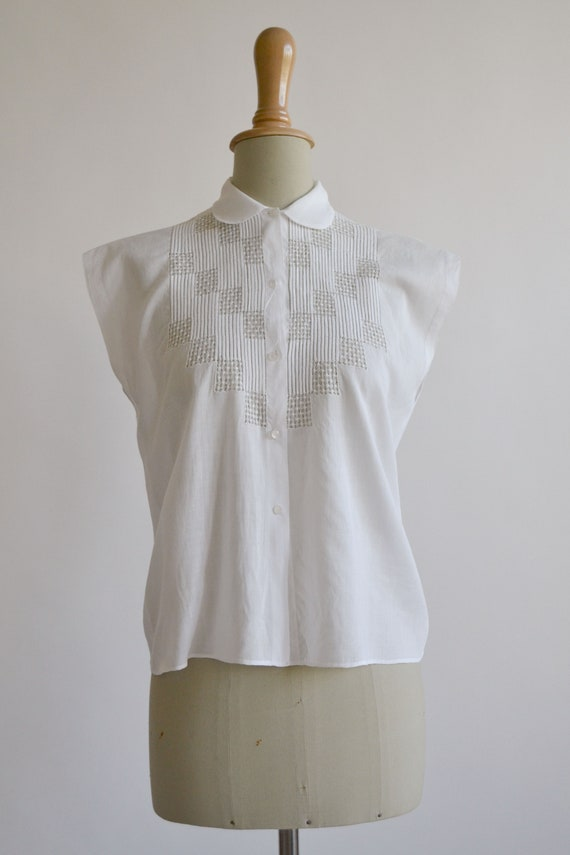 1950s embroidered white cotton blouse