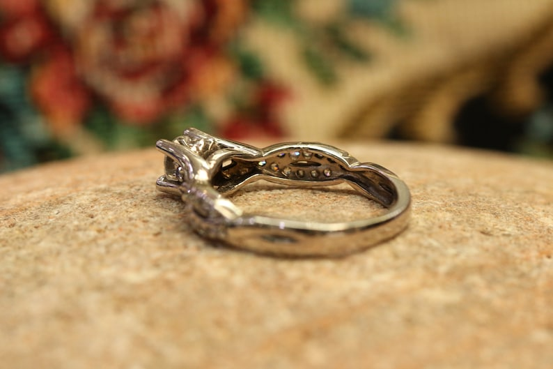 14K White Gold Art Deco Style Ring Round Cut Engagement Ring White Gold Ring Solitaire Ring Vintage Ring