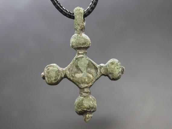 Ancient Medieval Knights Templar Cross Pendant. Me