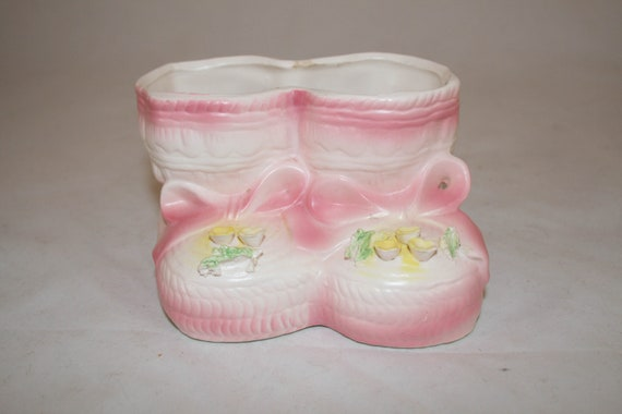vintage indoor planter baby shoes pink ceramic shoe baby room Vintage Ceramic Pink Baby shoe indoor planter baby girl vintage planters