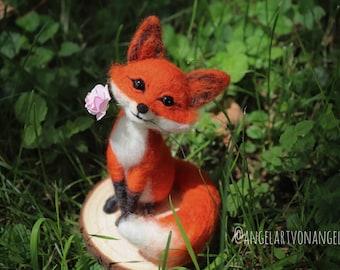 Needle felted fox,miniature fox, woodland animals, forest fox, needle felted fox,waldorf, felt animal, fox sculpture,woolart,fox doll,fox doll