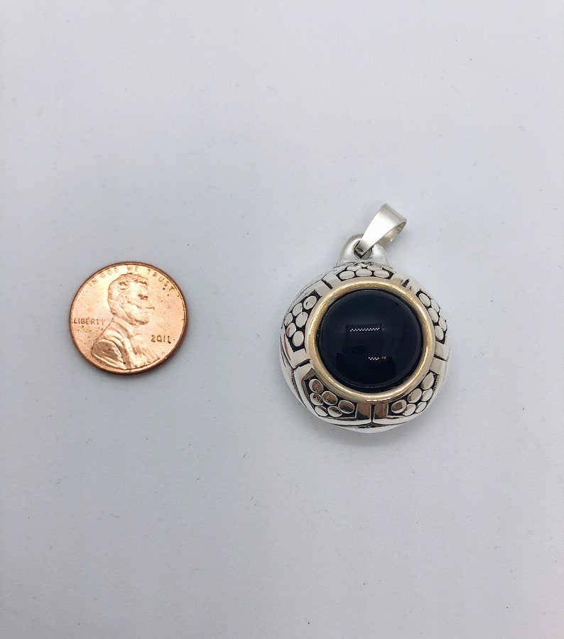 Onyx Gemstone and Sterling Silver Pendant