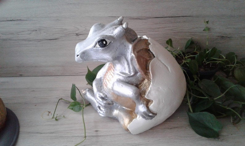 Dragon Figurine Sculpture Boo Cast In Plaster