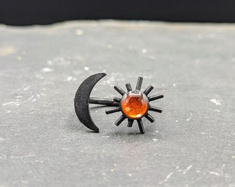 Black moon and glowing sun adjustable ring. Sun ring. Oxidized black hammered ring.
