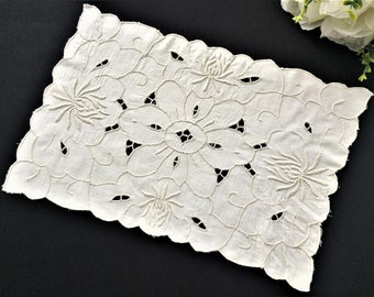 Hand Embroidered Madeira Cutwork Placemat Doily