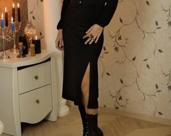 56adde7f9 Front slit skirt