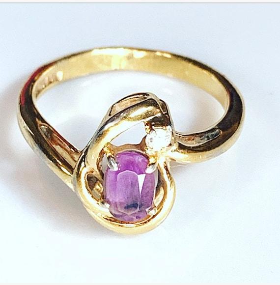 Vintage goldtone Amthest  Ring