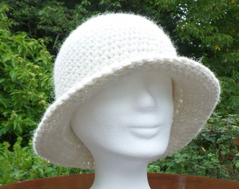 Hat made of the finest alpaca wool, crocheted, wool white, cuddly warm