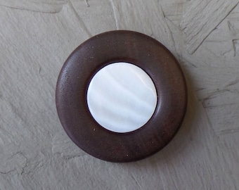 Brooch, walnut wood with mother-of-pearl inlay, fastened with magnet - unique