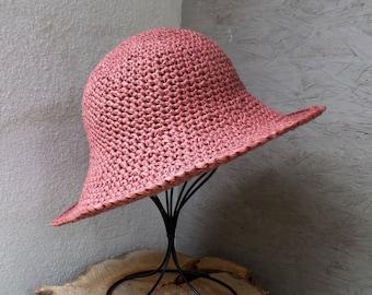 Sun hat made of Raffia bast, wide brim, old pink
