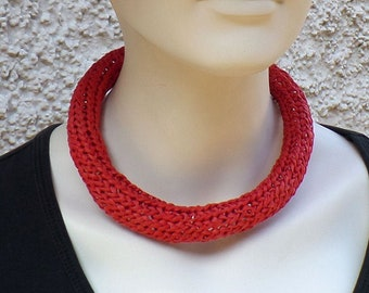 Necklace made of bast, red, magnetic clasp, unique