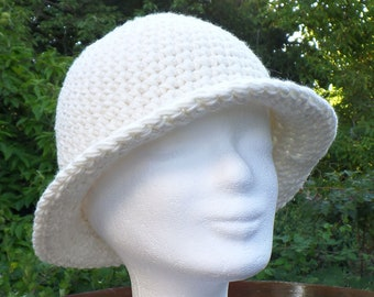 Elegant and warm wool hat, crocheted, 100% merino wool