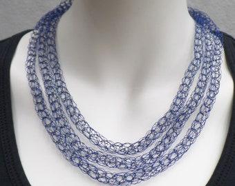 Decorative fine chain made of jewelry wire