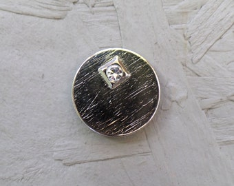 Magnetic brooch, with stone, 23 mm - silver