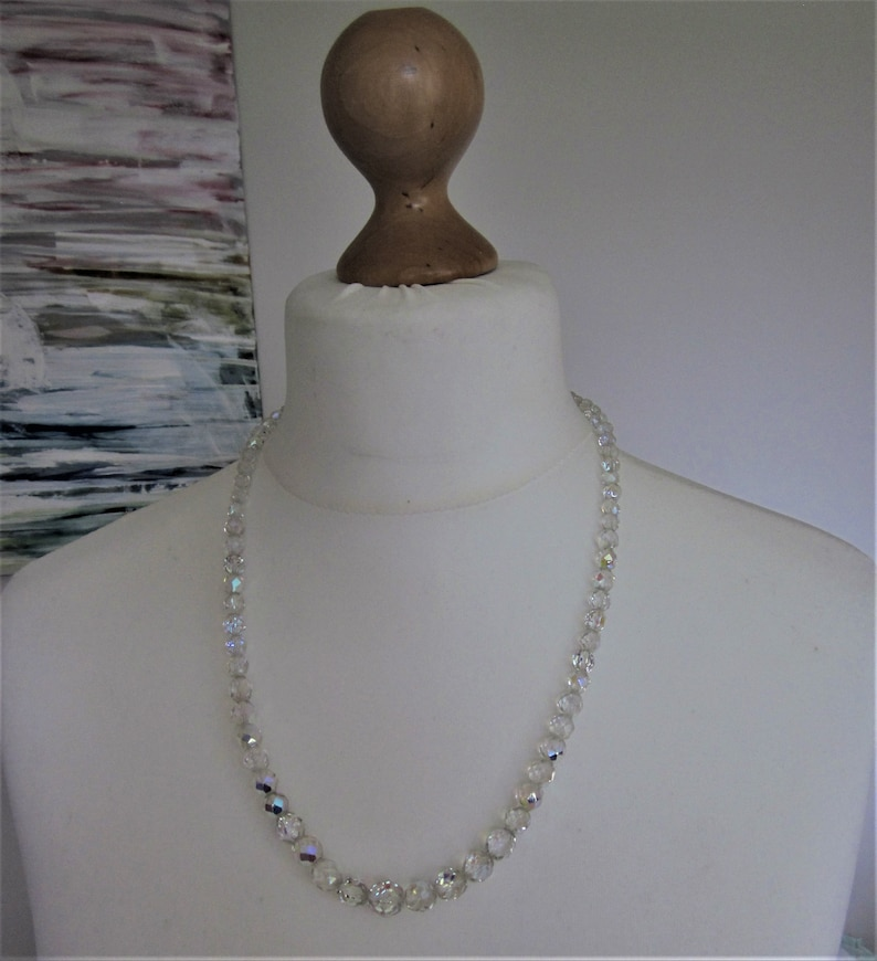 Vintage graduated Faceted Crystal Glass Bead necklace