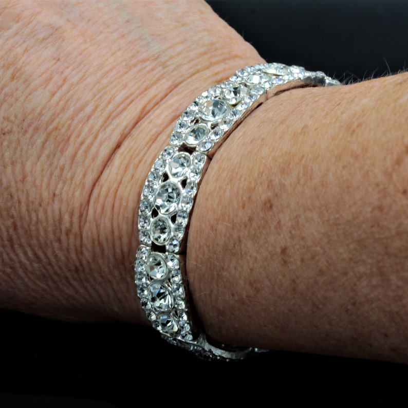 Lovely sparkly stretch panel bracelet with clear faceted rhinestones