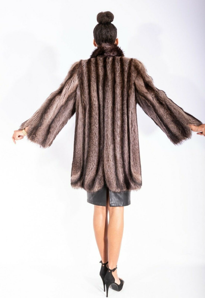 M Super Cut Amazing Raccoon REAL Long Fur Jacket with Wide Sleeves Size Medium Such cool Dramatic Lines.