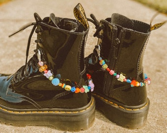 Rainbow Beaded Shoe Charm for Tennis Shoes and Doc Martens / Rainbow Jewelry / 90s Jewelry / Y2K Aesthetic