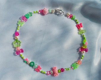 Green & Pink Seed Bead Necklace with Freshwater Pearls -  18 inches / Y2K Jewelry/ 90s Necklaces