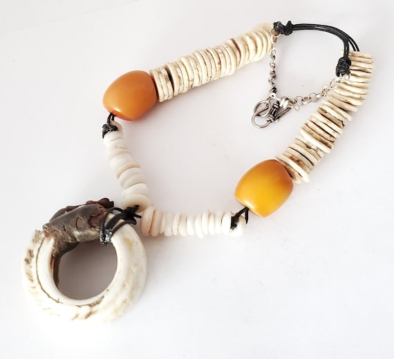 Antique shell slices Necklace Berber Moroccan, tri