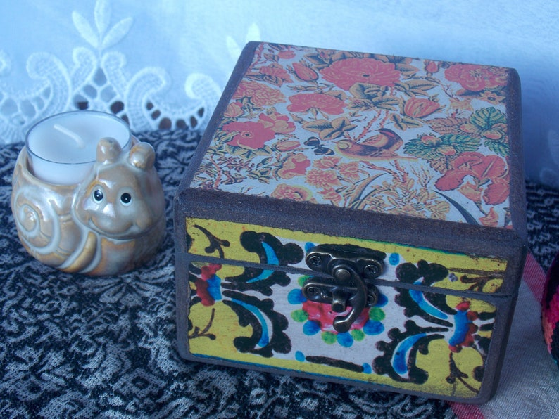 Decorative Latch Box