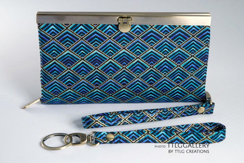 Diva Clutch : Lovin' the Blues Made to Order 7.5 x image 0