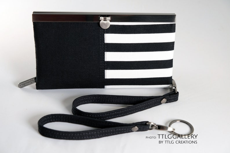 Diva Clutch : Black & White Made to Order 7.5 x 4.5 image 0